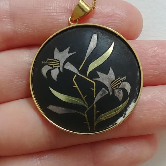 4/$15 - vintage damascene-like lily necklace